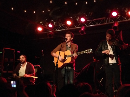 Nick Santino appears lonely while performing without former band